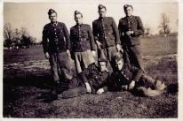Zdjęcie zbiorowe żołnierzy siedleckich z 1948 r.