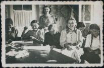 Brzeżany. Zajęcia lekcyjne w mieszkaniu prywatnym podczas okupacji niemieckiej.