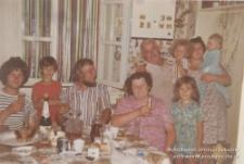 Lata. 70. XX w. Zdjęcie rodzinne, Jerzy Kukuczka (trzeci od lewej)
