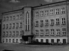 Kietrz. Liceum Ogólnokształcące i Gimnazjum przy ul. T. Kościuszki.