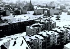 Głubczyce. Widok z wieży kościelnej na wschodnio - południową część miasta. Po 1970 r.