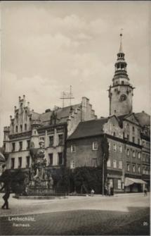 Głubczyce. Ratusz. Widok od strony kamieniczek 1936 r.
