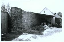 Głubczyce. Mur przy klasztorze widziany od strony zewnętrznej.