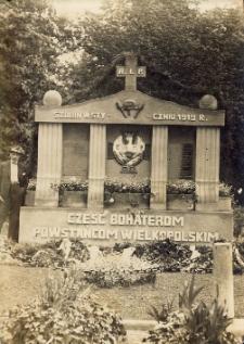 Szubin. Pomnik bohaterom walk z 1919 roku.