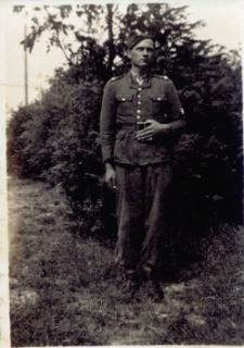 Fotografia Czesława Kruszewskiego w mundurze z 1948 roku.