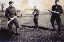 Siedlce. Żołnierze na warcie w 1948 r.