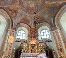 Opawica. Wnętrze kościóła pw. Świętej Trójcy.