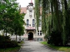 Głubczyce. Budynek przy ulicy Parkowej, fundacja Röslerowej.