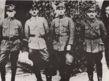 Zdjęcie dowódców z okresu powstań śląskich