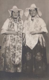 Kobiety w śląskim stroju ludowym