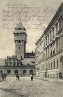 Kreuzburg, O.-S. Der Wasserturm vom Nachodplatz aus gesehen