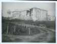Brzeżany. Zamek Sieniawskich w czasie ostrzału przez Rosjan, 1918 r.