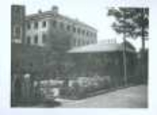 Brzeżany. Na drugim planie budynek sądu i więzienie, po 1919 r.