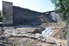 Głubczyce. Odkrywka pozostałości Bramy Grobnickiej (Klasztornej), stojąca w pobliżu wschodniej częśći kościoła franciszkanów z XIII w., 2012 r.
