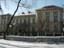 Głubczyce. Budynek przy ul. Niepodległości 14 wybudowany w II poł. XIX w. w stylu eklektycznym. Obecnie siedziba władz gminy oraz Urzędu Miejskiego, 2006 r.