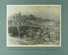 Murowanie i betonowanie ścian piwnicznych w narożniku od ul. Ligonia i Reymonta (październik 1924 r.)